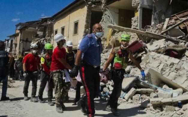ارتفاع عدد ضحايا زلزال إيطاليا إلى 267 قتيلا