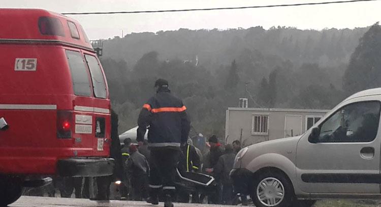 إصابة أربعة عمال بشركة خاصة في حادثة سير خطيرة ضواحي العرائش