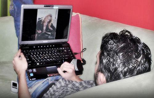 إيقاف تلميذ بأصيلة هدد طالبة بنشر فيديوهات فاضحة لها