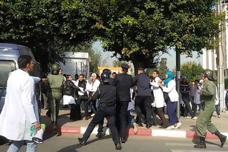 إصابات في مسيرة احتجاجية بطنجة للمجازين ضحايا برنامج التكوين