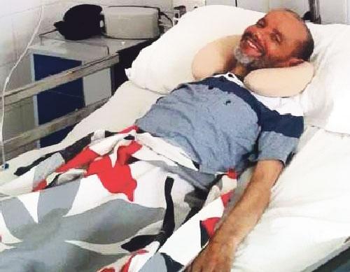 مرض عصبي نادر يضرب اللاعب الدولي السابق محمد الرموكي
