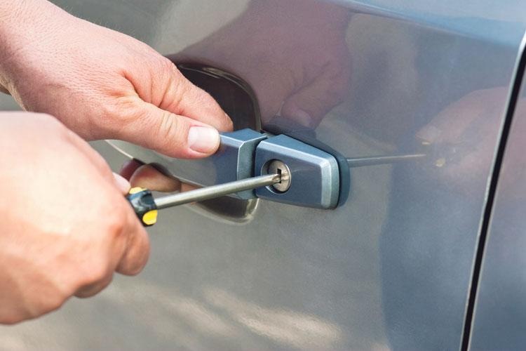 هذه حيل وأساليب سرقة السيارات المستعملة وهكذا تجني منها عصابات متخصصة ملايين الدراهم