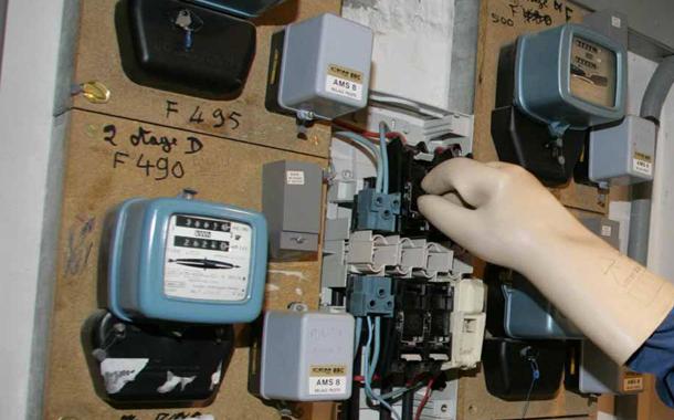 غرامات ثقيلة على سكان بسبب سرقة الماء والكهرباء بالدار البيضاء