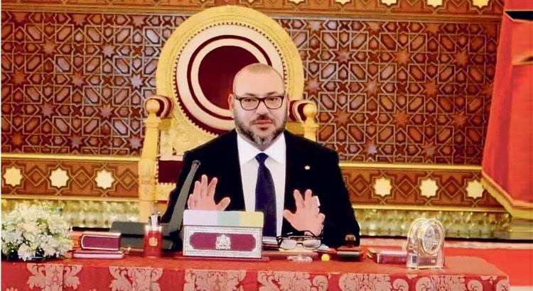 """""""اللوك"""" الجديد لمحمد السادس يثير إعجاب المغاربة"""