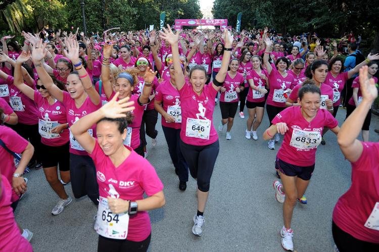 120 امرأة مصابة بسرطان تشارك في ماراطون «بوسكورة»