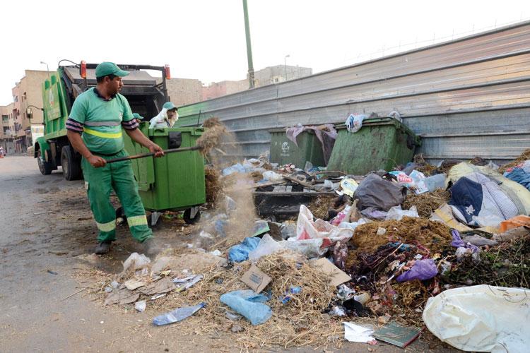 الأخبار تروي قصصا مأساوية لعمال نظافة أصيبوا بأمراض مزمنة