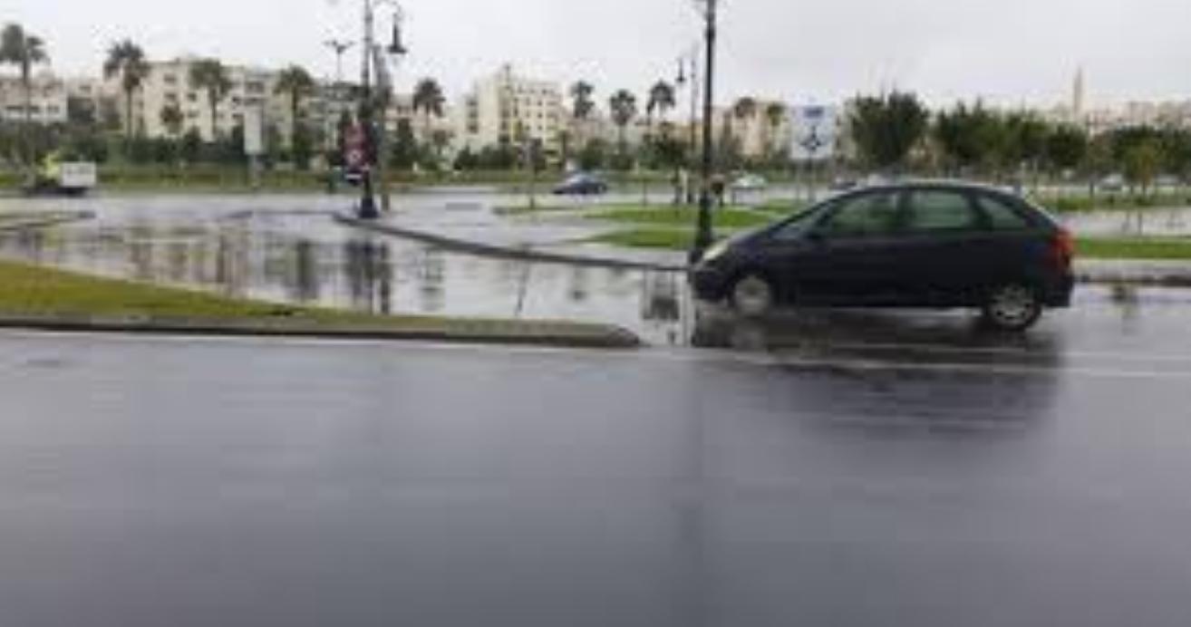 أولى التساقطات المطرية تكشف ضعف البنيات التحتية بمدينة طنجة