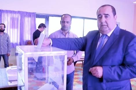 لشكر يدلي بصوته من الرباط ويدعو المغاربة للتصويت
