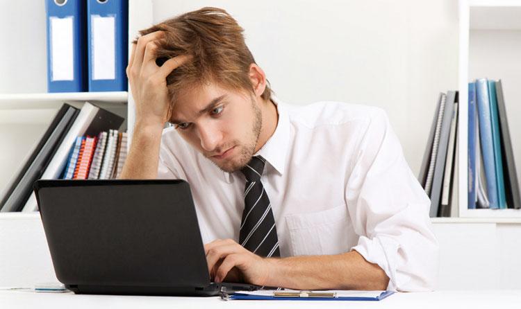 هكذا يؤثر الحاسوب  والهاتف الشخصيين  على حياتك الجنسية