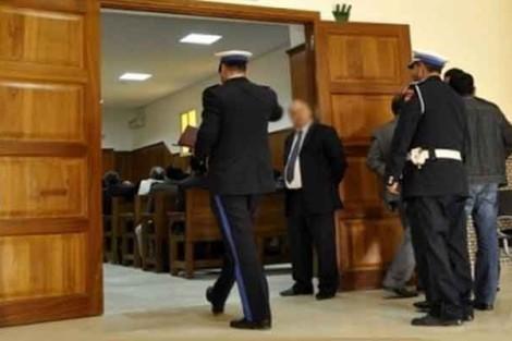 البراءة لـ12 أمنيا بولاية أمن فاس متهمين بالتستر على شبكة ترويج المخدرات