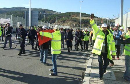 إضراب بميناء طنجة المتوسط بسبب توقيف ثلاثة مستخدمين