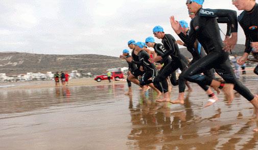 سباق «ترياتلون أكادير» الدولي يغضب سياحا أجانب