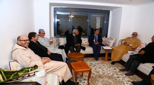 """صراعات داخل """"البيجيدي"""" حول رئاسة جمعية رؤساء الجماعات وبنكيران يدعم الأزمي ضد رباح"""