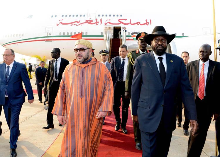 الملك يصل جنوب السودان في زيارة رسمية رفقة وفد هام