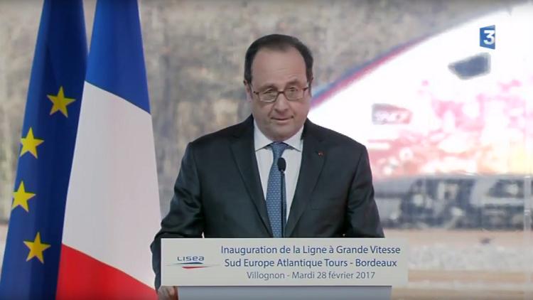 إطلاق نار خلال خطاب للرئيس الفرنسي هولاند وعلى بعد أمتار منه