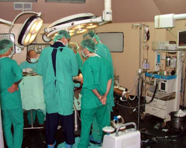خطأ في جراحة تجميلية يكلف مصحة خاصة بفاس بيع معداتها الطبية