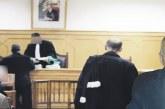 مواطنة تحجز على كرسي ومكتب رئيس بلدية الجديدة تعويضا عن أرض استحوذ عليها المجلس