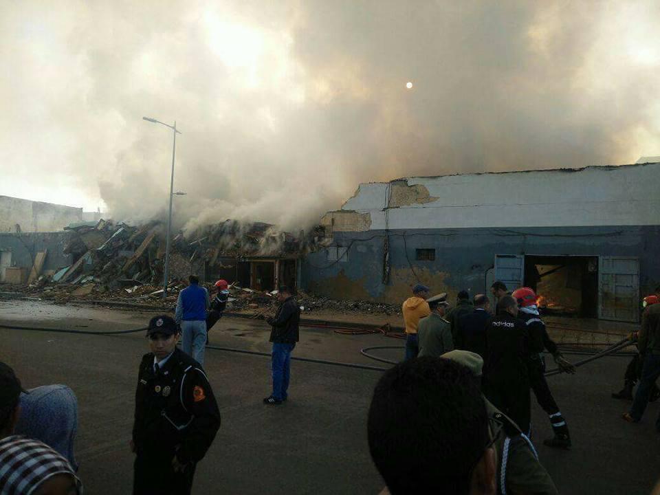 حريق مهول بمستودع للخشب بسلا يودي بحياة رجل إطفاء