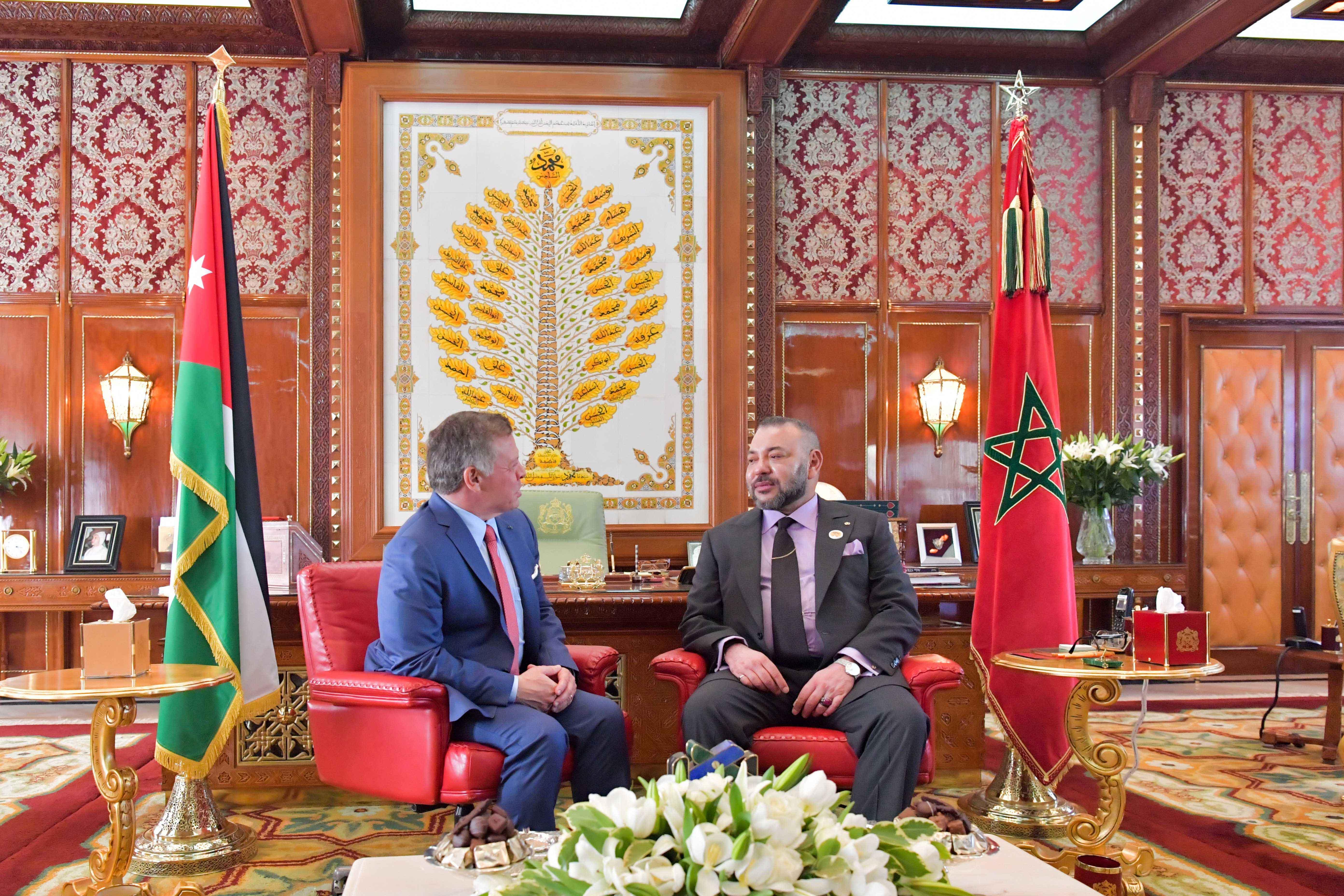 الملك محمد السادس يجري مباحثات مع الملك عبد الله الثاني