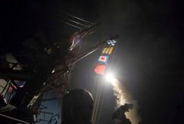 الولايات المتحدة تقصف قاعدة جوية تابعة لنظام بشار الأسد بسوريا