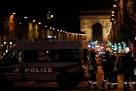 قتيل ومصابون في إطلاق نار بالشانزليزيه وسط باريس
