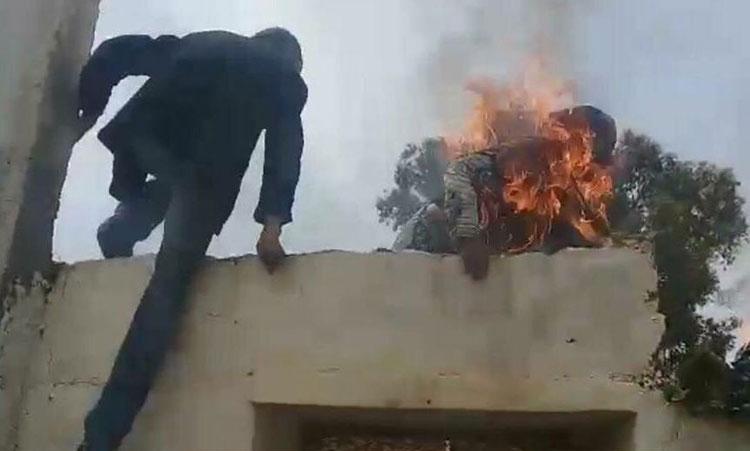 سيدة تضرم النار بجسدها خلال تنفيذ حكم بإفراغها من منزلها بسطات