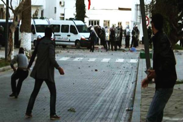 توقيف 20 شخصا بالحسيمة بتهمة المساس بالسلامة الداخلية للدولة
