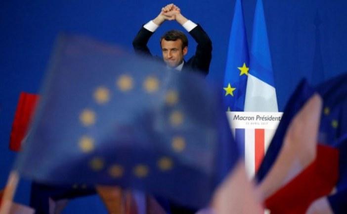 الملك محمد السادس يبعث برقية لماكرون بمناسبة انتخابه رئيسا لفرنسا