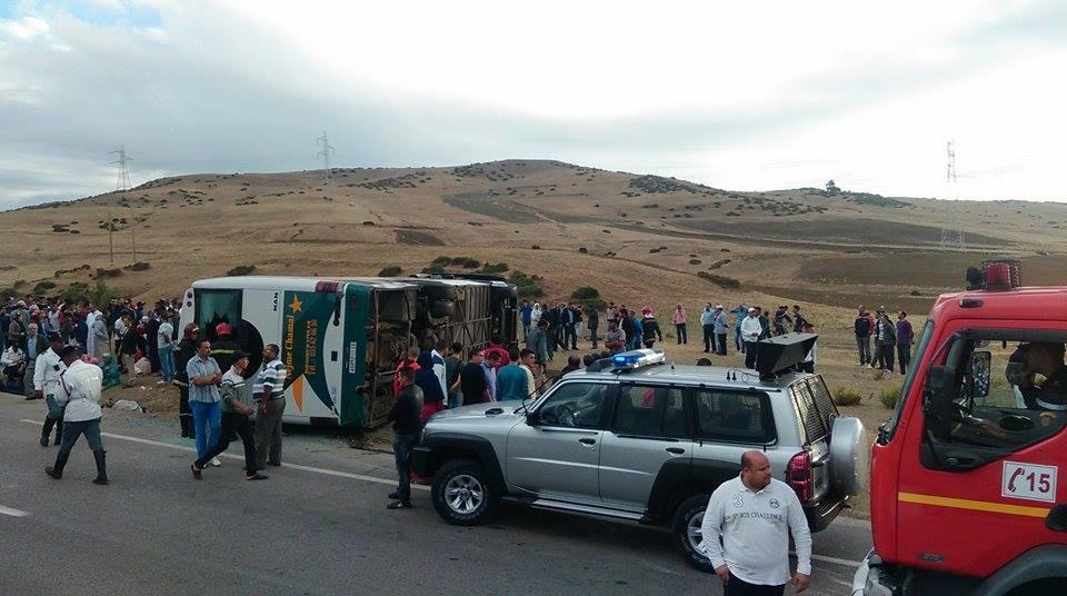 12 قتيلا وعشرات الجرحى في انقلاب حافلة ركاب قرب خنيفرة