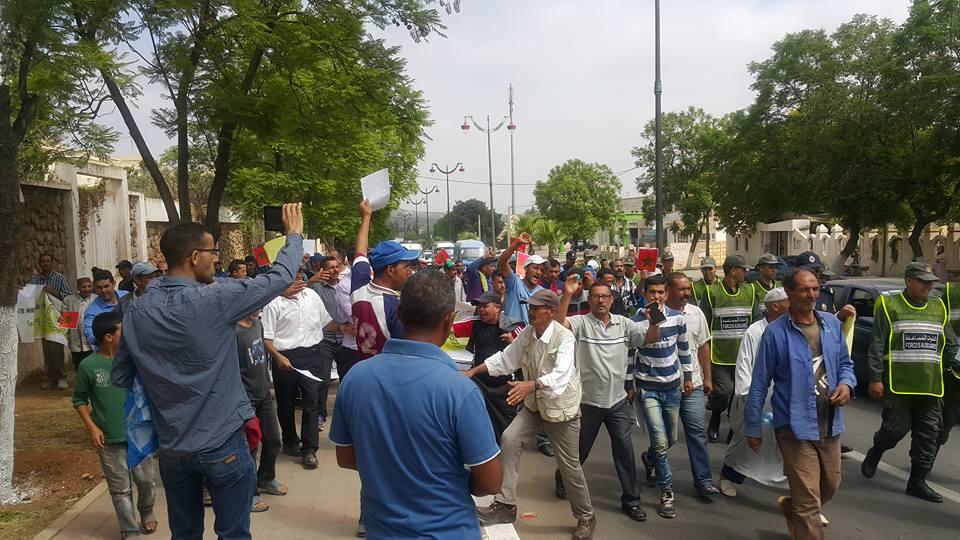 """""""حراك العطش"""" يصل إلى مجلس جهة فاس و""""البيجيدي"""" و""""الحركة"""" يتهربان من المساءلة"""