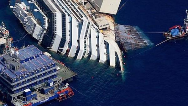 اصطدام سفينة من باناما بمركب صيد يتسبب في غرقه بسواحل الجرف الأصفر بإقليم الجديدة