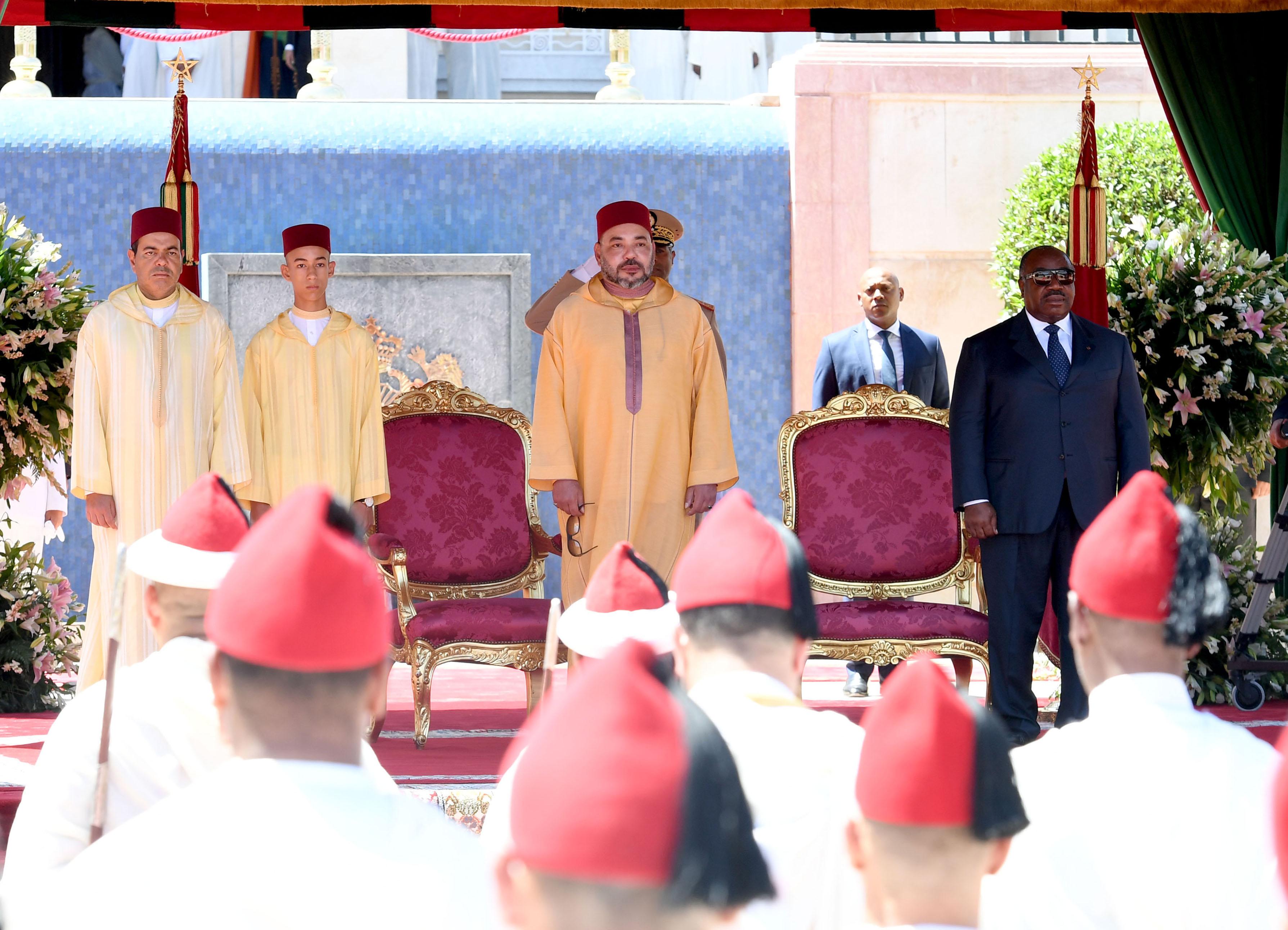الملك يترأس حفل استقبال بمناسبة عيد العرش ويوشح علماء وأكاديميين