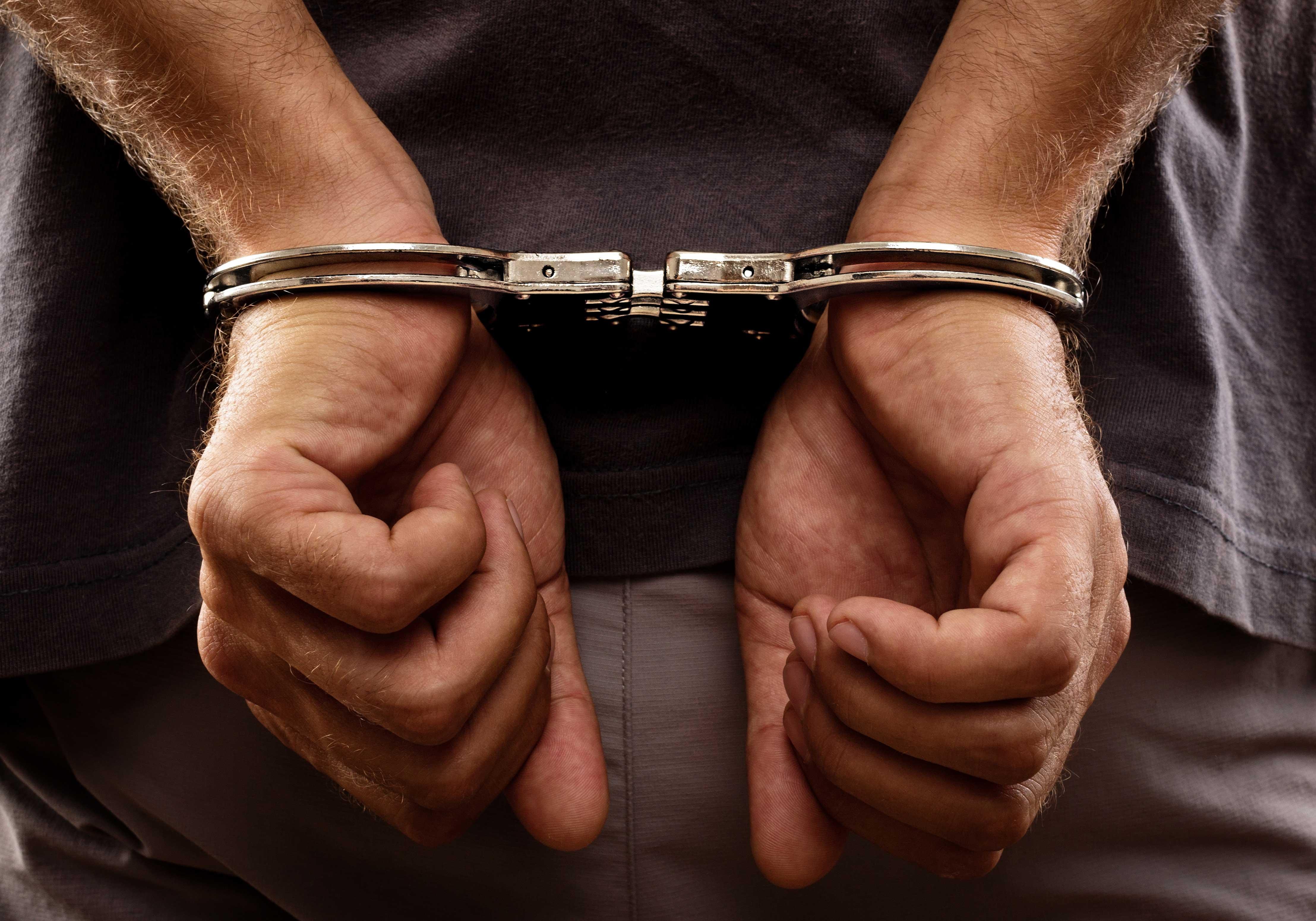 اعتقال نجل قيادي بالعدالة والتنمية متهم بالسطو على محتويات خزينة والدته