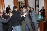مجلس الرباط يتحول إلى حلبة مصارعة وتبادل للضرب بين مستشاري «البام» و«البيجيدي»