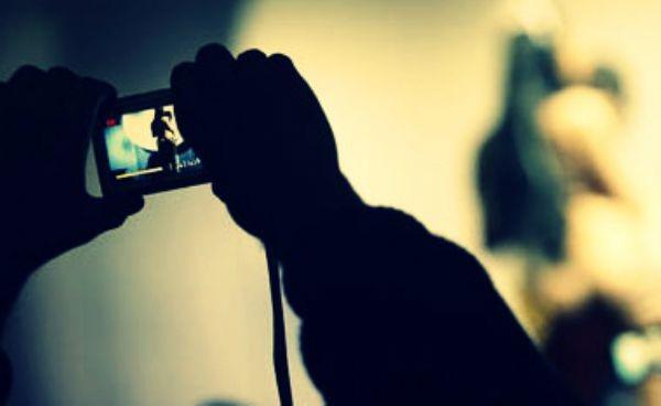مغربي مقيم بالخارج يصوّر شقيقة مستشار جماعي بالرباط عارية بعد ليلة ماجنة انتقاما منه