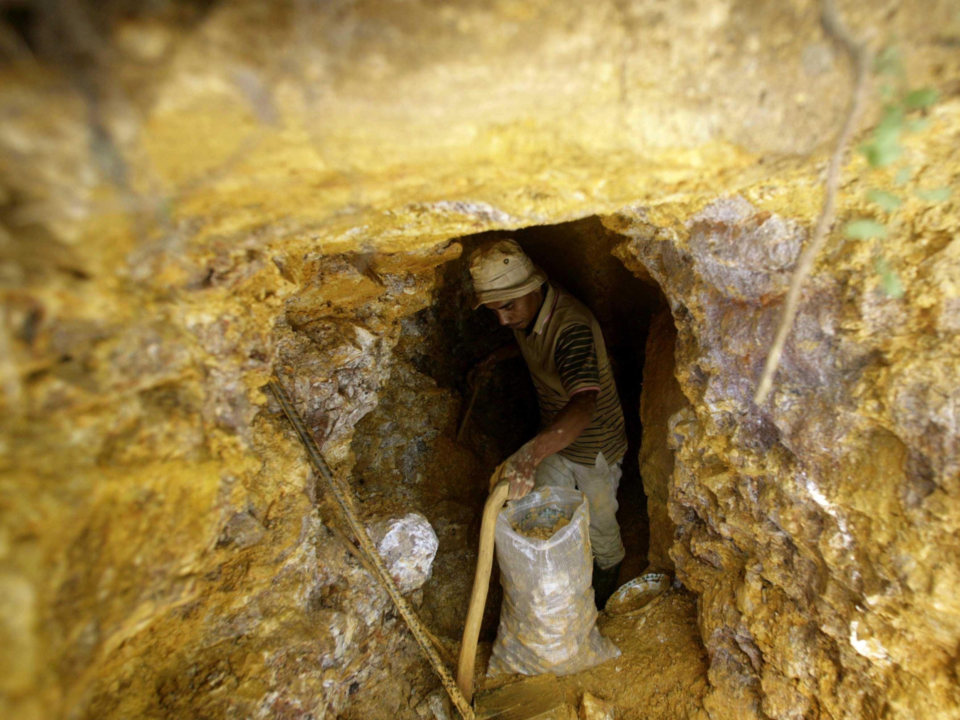 اكتشاف حفر وثقوب في الزاوية التونسية بسيدي بنور بسبب التنقيب عن الكنوز