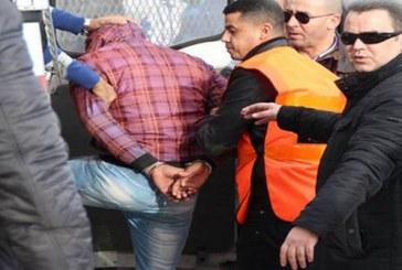 محاكمة مغنٍ أمازيغي وفنانة شعبية بعد اتهامهما بممارسة الجنس والسكر وتبادل الضرب بشيشاوة