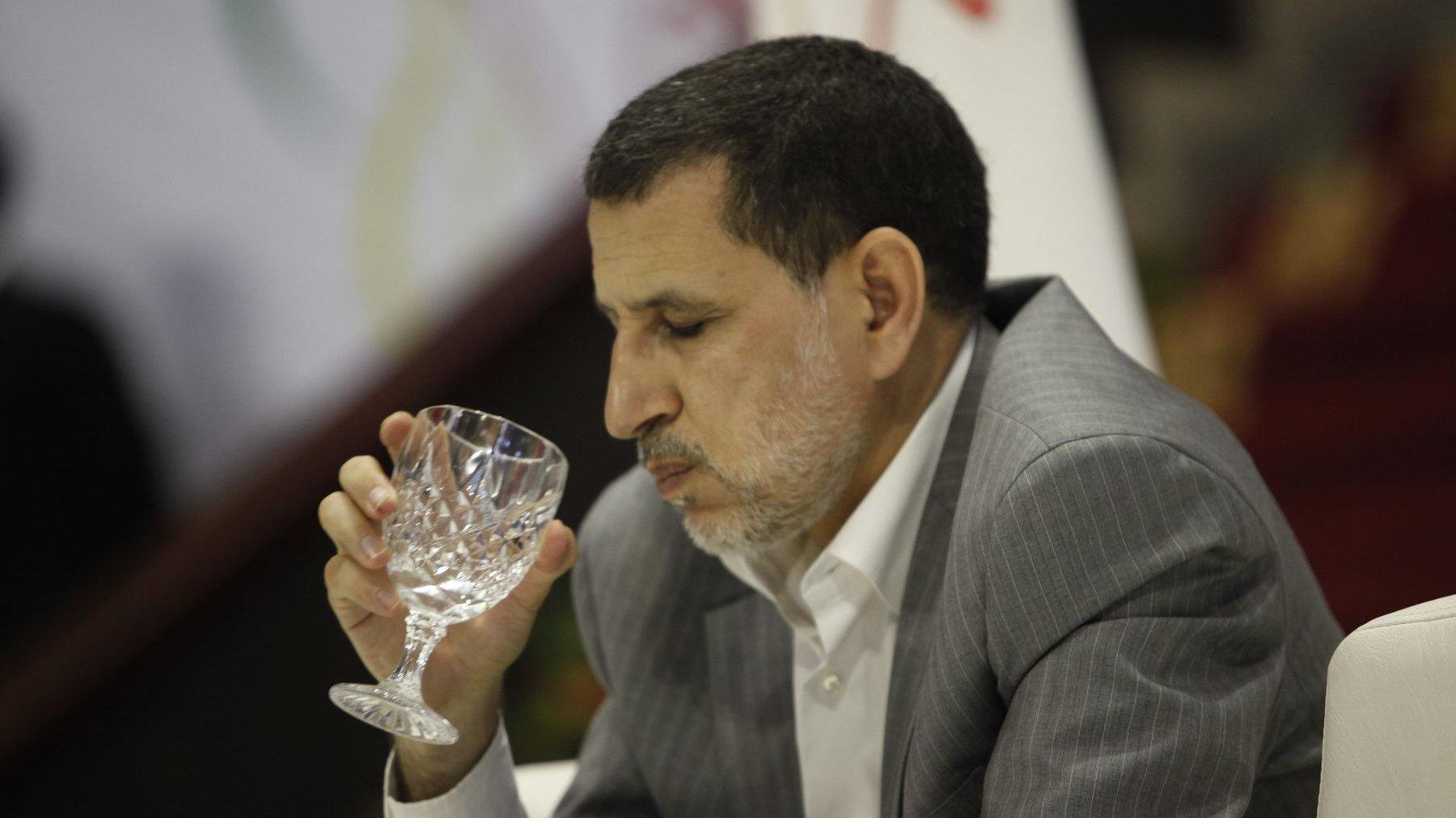 العثماني يستنجد بـ»برنامج استعجالي» لمعالجة مشكل ندرة الماء الصالح للشرب