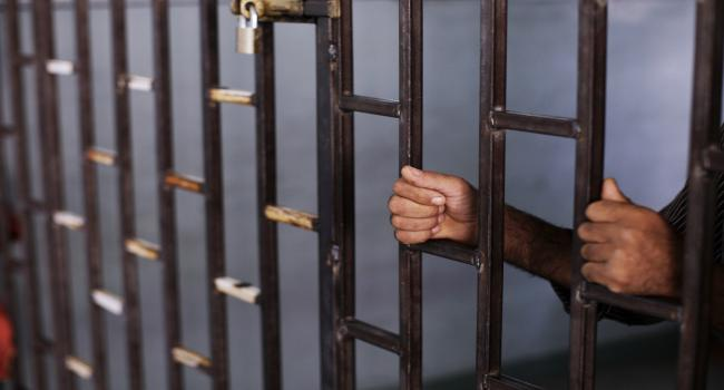 6 أشهر حبسا نافذا للتلميذ صاحب الاعتداء الشنيع على أستاذه بالرباط