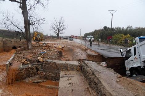 انهيار قنطرة بآسفي يفضح الغش وانقطاع الطريق الساحلية يحاصر قرى الصويرة
