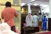 """بالفيديو…""""مخمور يدخل إلى مسجد بالسعودية ويغني في الميكروفون"""
