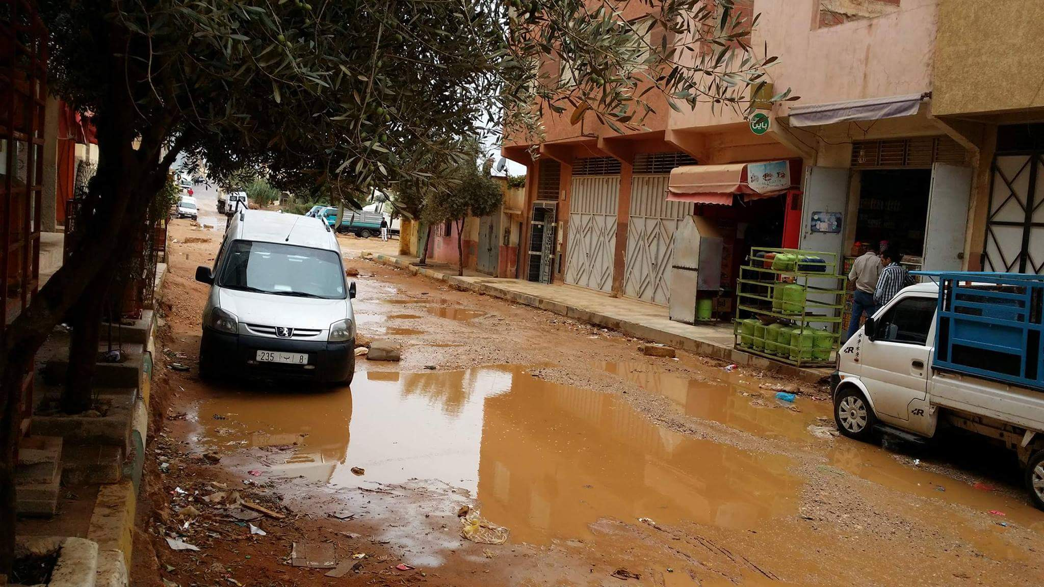 دقائق من الأمطار تفضح هشاشة البنية التحتية الكارثية بطانطان