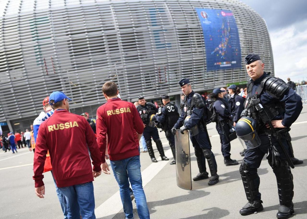 مشجعون مغاربة ممنوعون من دخول الأراضي الروسية في كأس العالم