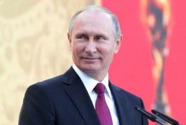 بوتين يفوز بولاية رابعة والمعارضة تتهمه بالتزوير