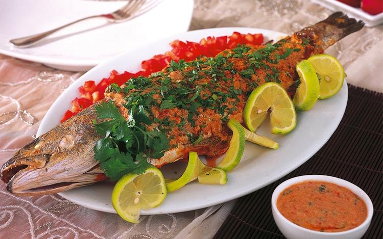صورة سمكة محشوة بالكزبرة