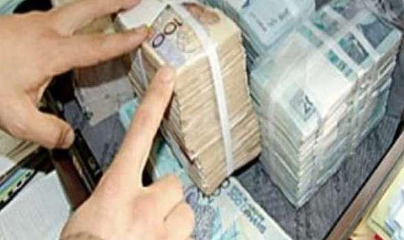 مدير وكالة للقروض الصغرى بزايو يختلس مبالغ مالية مهمة ويفر خارج المغرب