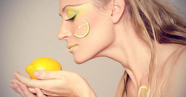 صورة كيف تزدادين جمالا بعصير الليمون الحامض؟