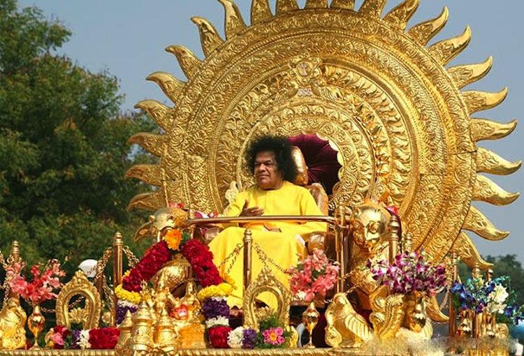 «ساتيا ساي بابا» الفيلسوف الهندي الذي ادعى «الألوهية»