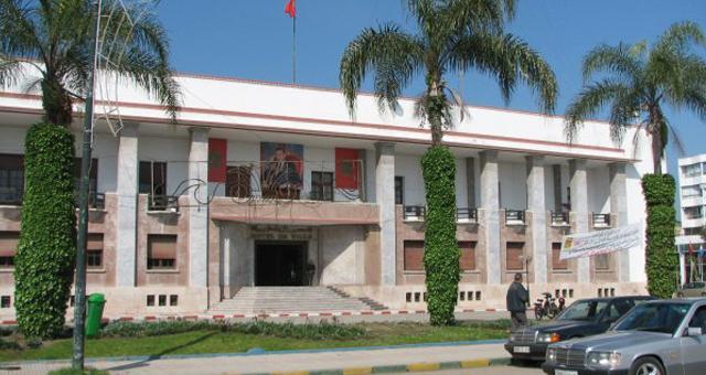 احتجاجات أمام بلدية القنيطرة مع قرب الانتخابات التشريعية