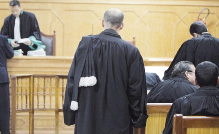 دفاع قاضي طنجة المعزول يطالب بتأجيل الملف إلى ما بعد انتهاء الولاية الحكومية